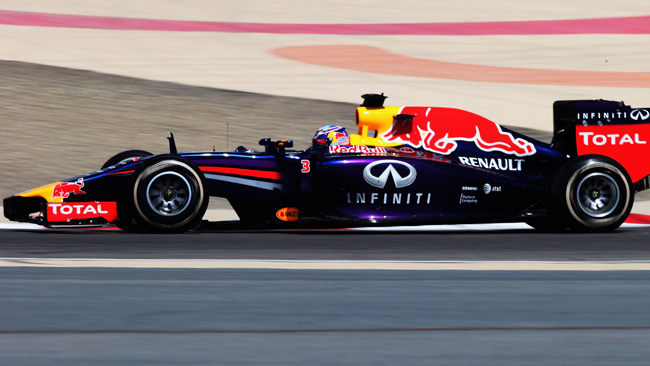 Bahrein, Day 1 (Ore 10): in testa c'è la Red Bull RB10!
