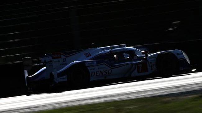 Le Mans, 9° Ora: La notte entra nel vivo senza scosse