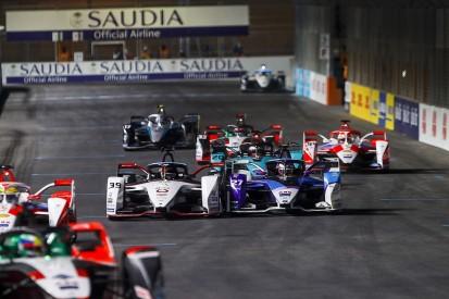 "Dennis slams Wehrlein for ""driving me into the wall"" in Diriyah Formula E race"