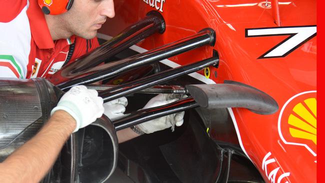 Ferrari: ecco come si regola l'altezza da terra
