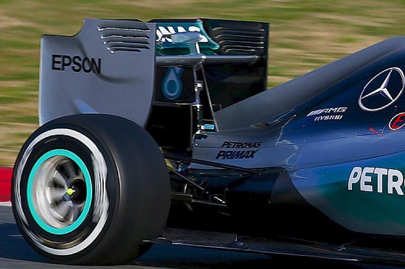 Mercedes: l'alettone posteriore con il mono-pilone