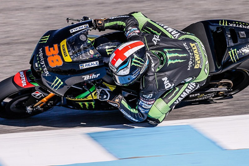 Test Jerez, Ore 16: Smith salta davanti a Valentino