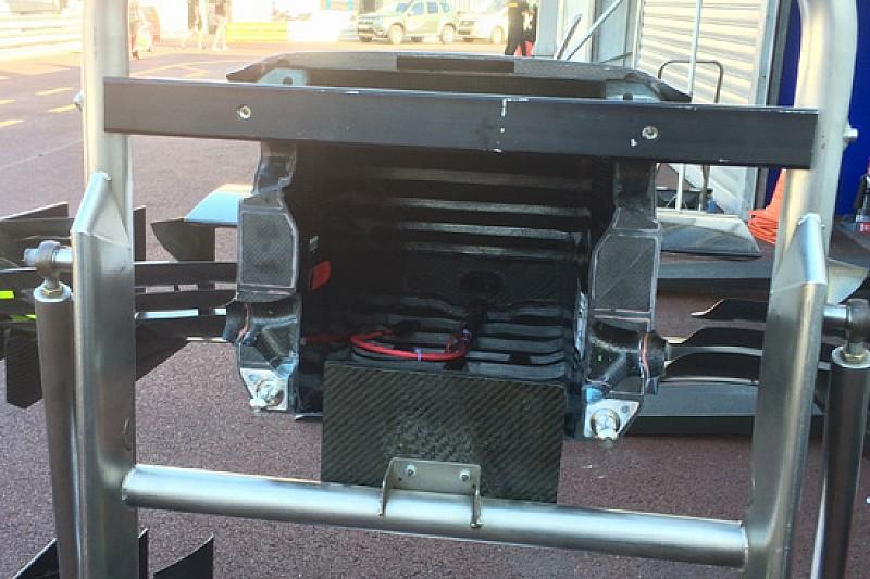 Williams: il muso dentro è a soffietto per il crash test