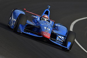 IndyCar Breaking news Kanaan wreck jumbles the running order - video