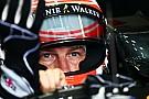 Pontos fizeram a McLaren trabalhar mais, afirma Button