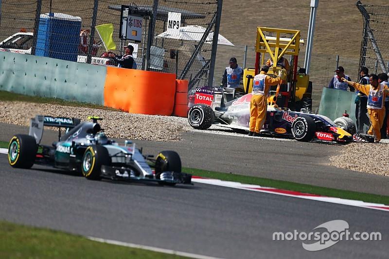 Les rivaux de Mercedes poussent pour éviter le gel des moteurs