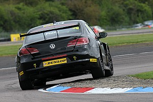 BTCC Qualifying report Plato survives fire to take Oulton pole from Neal