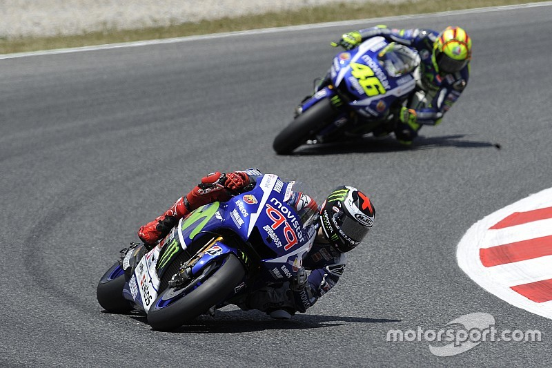 "Battle with Rossi ""one of my hardest"", says Lorenzo"