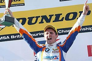 BTCC Crónica de Carrera Tordoff se lleva segunda carrera en Croft
