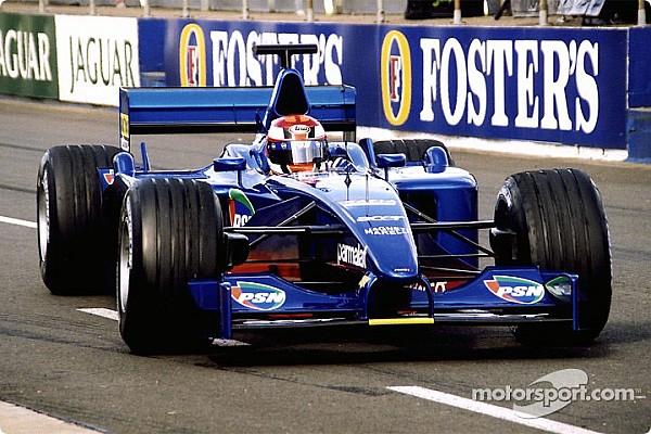 Une Prost AP04 disponible aux enchères