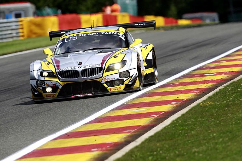 Deux BMW encadrent une Audi après 18 heures de course