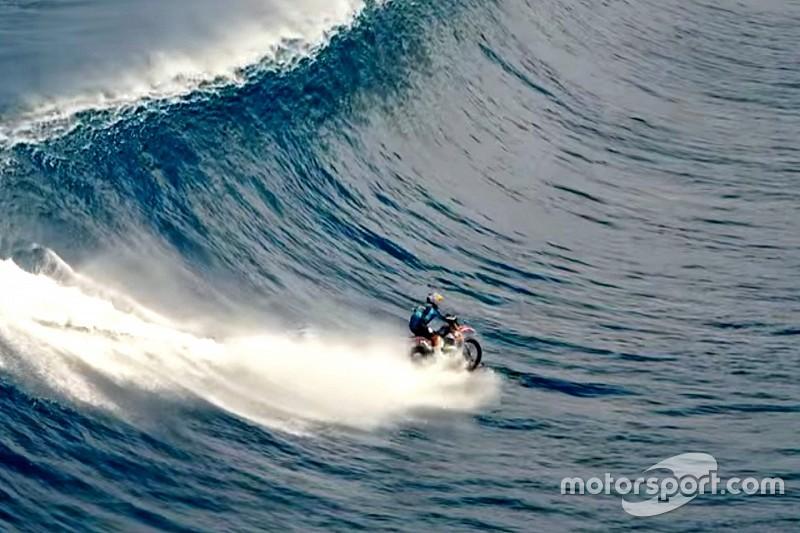 Vidéo - Pipe Dreams, ou l'art unique de surfer à moto!