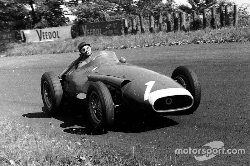 Juan Manuel Fangio's corpse is exhumed in Argentina
