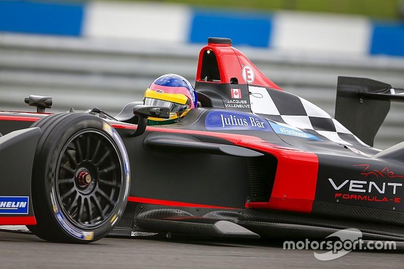 """Villeneuve: """"não estou aqui pelo dinheiro, mas porque amo corridas"""""""
