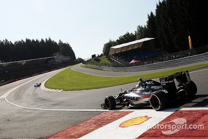 Retiran el bordillo de Eau Rouge