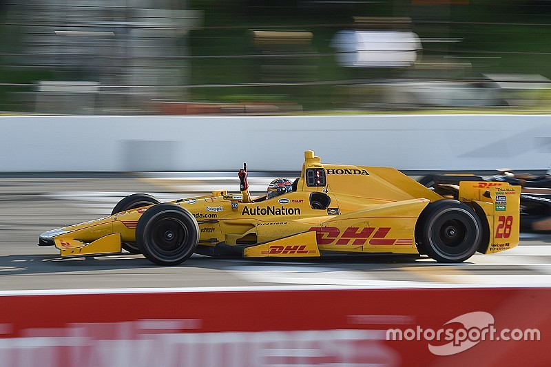 Com acidente grave de Wilson, Hunter-Reay vence segunda do ano