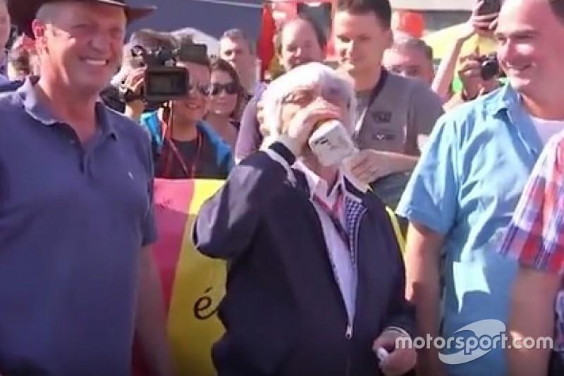 """Ecclestone salva prova em Spa com o """"leite da paz"""""""
