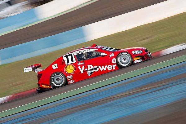 Brazilian V8 Stock Cars: Valdeno Brito and Thiago Camilo master their paces to take victories