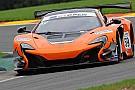 Rob Bell regala la pole di Gara 1 alla McLaren