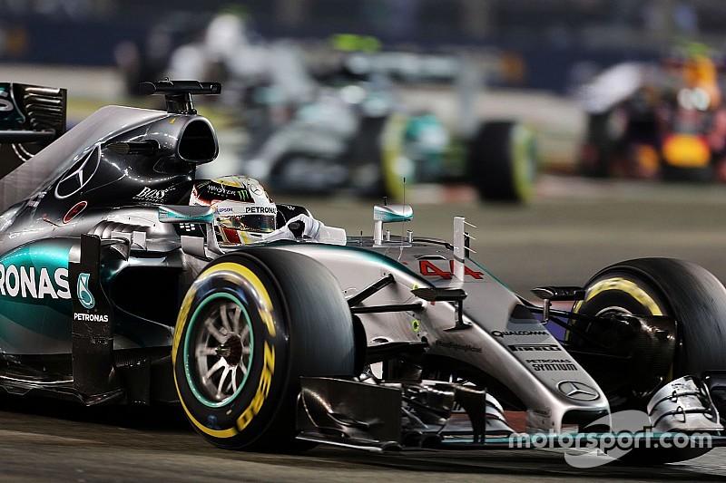"""Mercedes prega """"não cair em depressão"""" após Cingapura"""