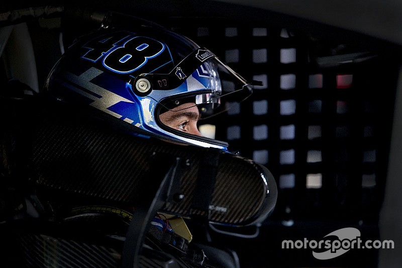 Jimmie Johnson cumple 500 carreras en Sprint Cup