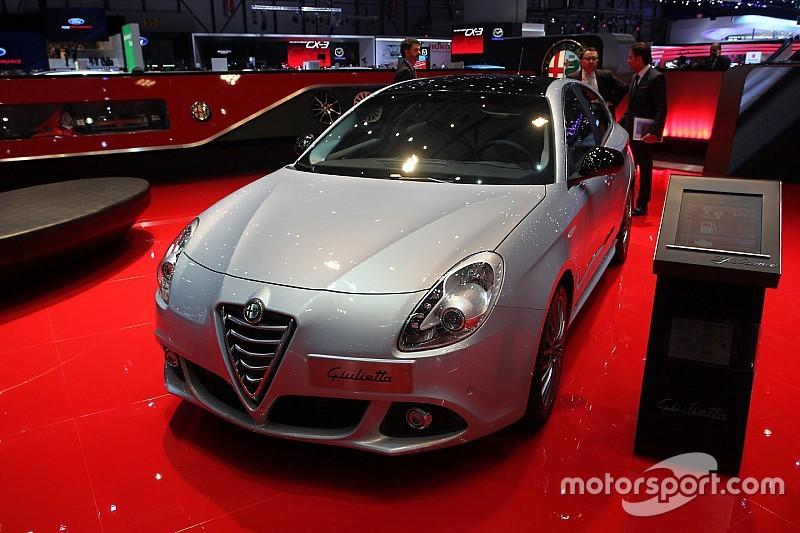 Une Alfa Romeo Giulietta en piste à Macao