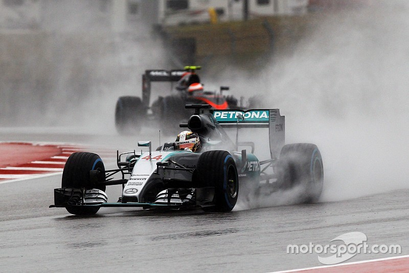 """Hamilton: Driving in FP3 like """"touching a rattlesnake"""""""