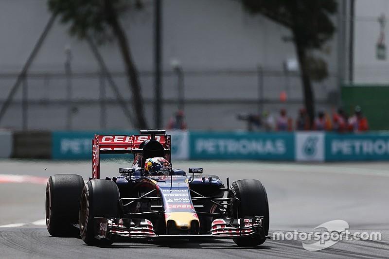 Max Verstappen: van snelste tijd naar crash, einde sessie voor de Nederlander