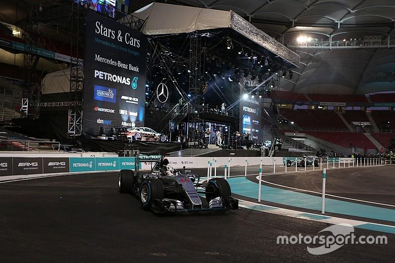 Mercedes, pagamento record per il mondiale 2016