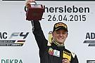Filho de Schumacher negocia com time ligado à Ferrari