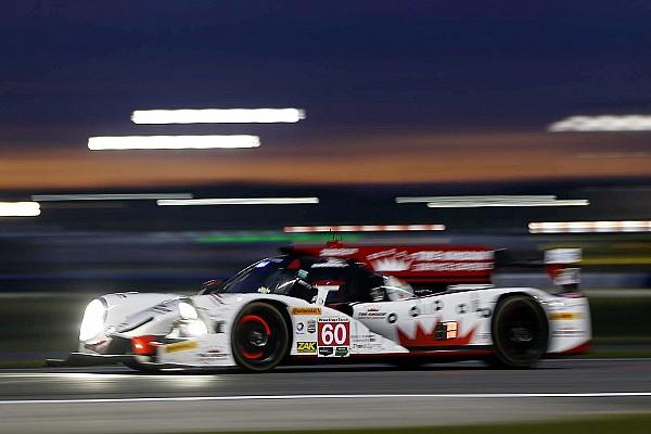 全场领先赛车迈克尔·香克车队60号遭遇故障