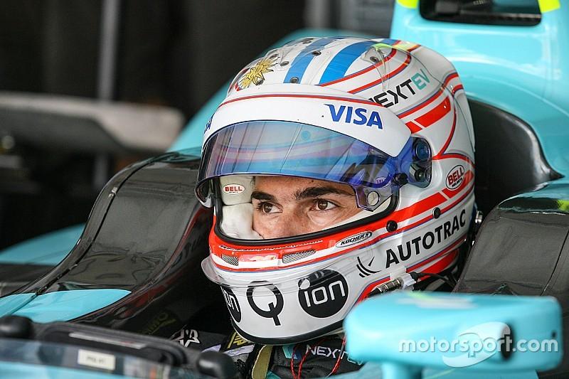 """Em pista """"divertida"""", Piquet tenta se recuperar na F-E"""
