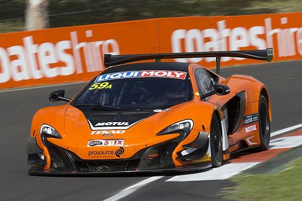 Endurance 12 Ore di Bathurst: Pole da record per la McLaren