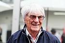 """Ecclestone haalt uit naar F1: """"We runnen iets dat illegaal is"""