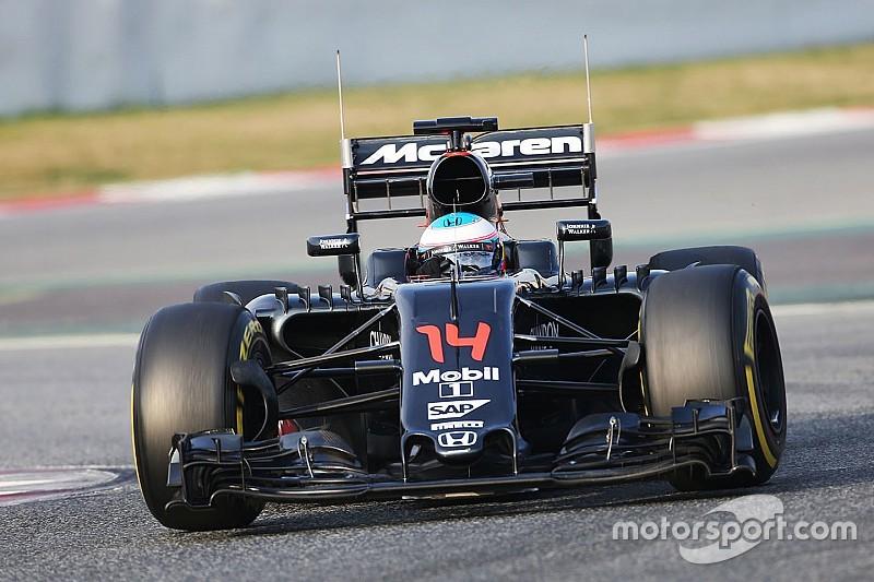 Technische problemen voor Alonso op laatste testdag