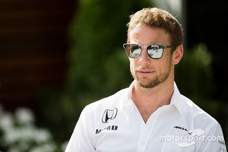 """Button: """"Difficile che la FIA riesca a controllare tutte le comunicazioni radio"""""""