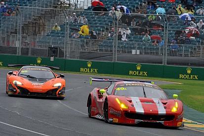 Montermini primo al traguardo di Melbourne sulla Ferrari 488 GT3