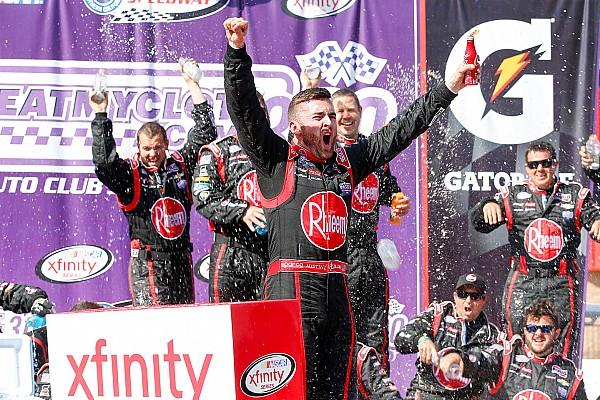 NASCAR XFINITY Dillon vence após final caótico e quebra sequência de Busch