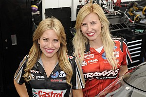 Fotostrecke: Die schnellsten Ladys im Motorsport