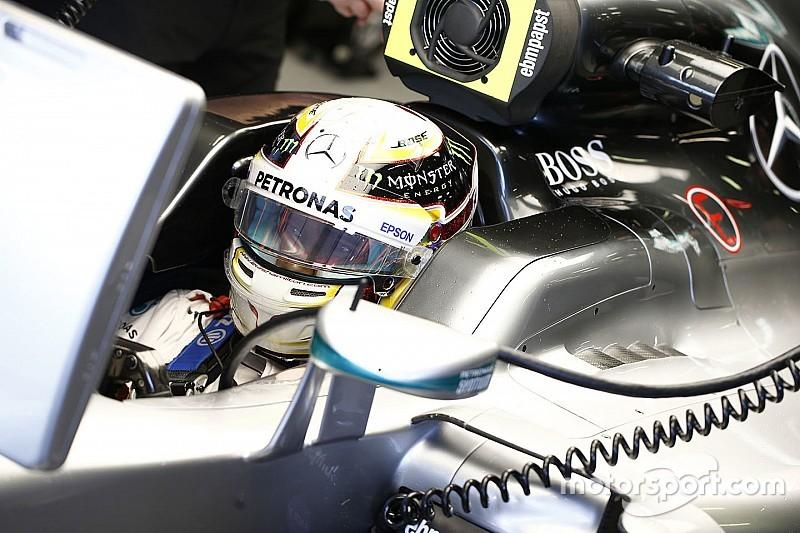 Lewis Hamilton krijgt vijf plaatsen straf voor Chinese GP