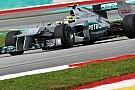 Mercedes pole beklemiyor