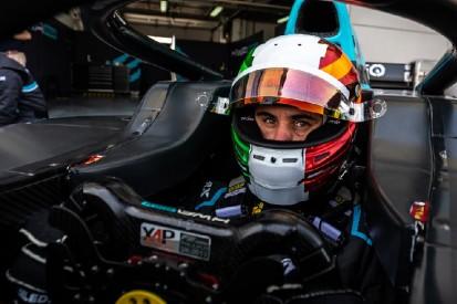 Mehr als 6 Sekunden langsamer: Deledda darf trotzdem im F2-Rennen starten