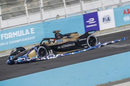 Werbebanner reißt drei Fahrzeuge raus: Sicherheitsrisiko in der Formel E