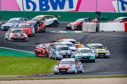 TCR Germany Lausitzring 2021: Start-Ziel-Sieg für Tabellenführer Luca Engstler