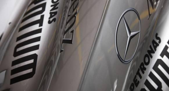 Mercedes 2014 motorunu deneyecek