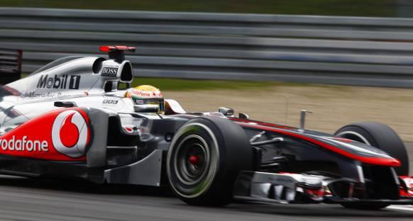 Hamilton sezonu 4 zaferle bitirmek istiyor