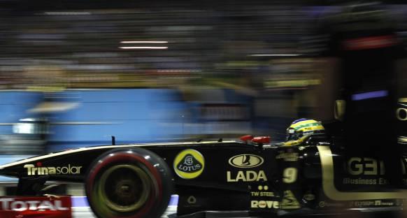 Üzgün Renault'ya bir darbe de FIA'dan