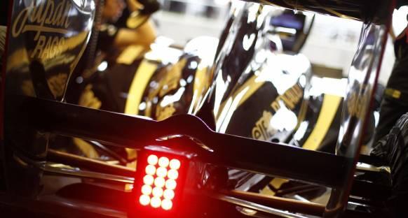 Renault önden çıkışlı egzozla devam edecek