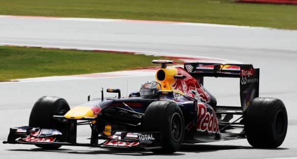 Britanya Grand Prix 2011 Cumartesi antremanları - Vettel lider