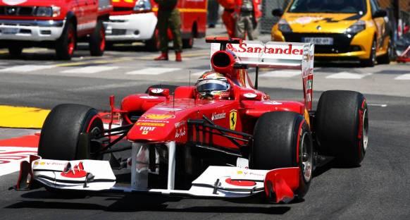 Alonso: Kırmızı bayrakta yarışı kaybettik